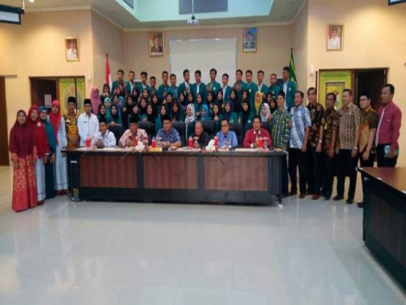 Civitas akademik STIT Alhikmah dan mahasiswa peserta KKL bersama aparatur Pemkab Sergei